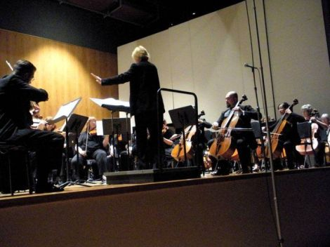 "Jon Silpayamanant performing Mahler 1 & ""Blumine"" with the IUS Orchestra and members of Keep Louisville Symphonic (17 April 2011)."