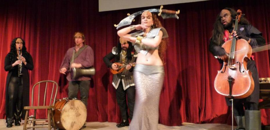 il Troubadore and Deserae at the Opening of A Klingon Christmas Carol