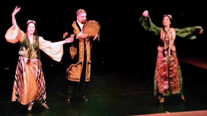Jon Silpayamanant performing with Raks Makam at the Eifler Theatre in Louisville, Kentucky. October 7, 2011.