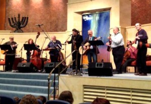 "Jon Silpayamanant performing with Grammy Award winner Cantor Mike Stein and local bluegrass musicians during the ""Bluegrass with Jewish Sass"" festival at Adath Jeshurun Synagogue in Louisville, KY."