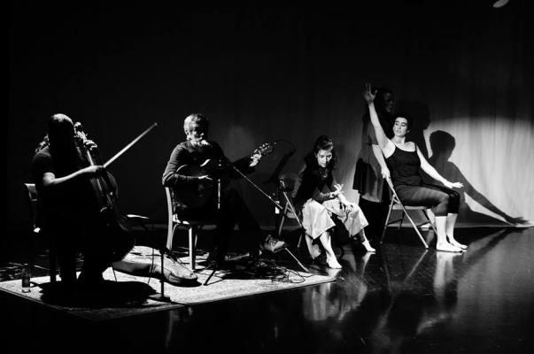 A free improv dance and music collaboration with Misha Feigin (guitar) and dancers, Ann Law, Lori Teague, Polly Curtis, Meg Gibbs in Chattanooga, TN. November 7, 2016. Photo by Ernie Paik.